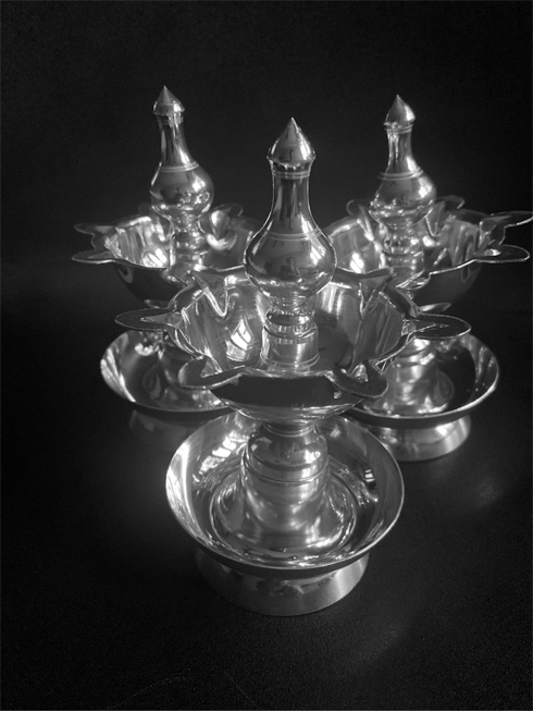 7 face silver lamp